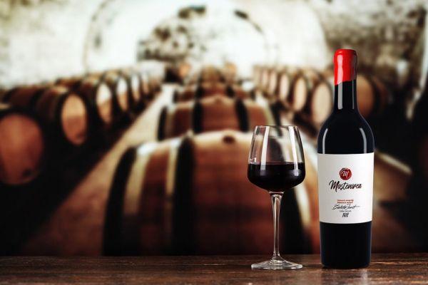 Sus paharul! Moștenirea – un vin roșu de la Măcin pentru 100 de ani de România!