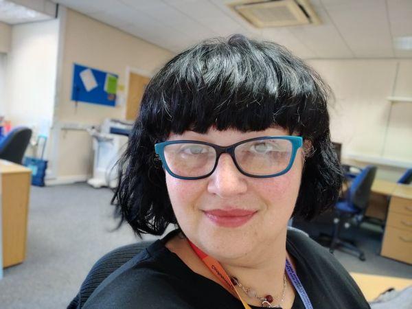 Românca Ioana Lovin le predă galezilor engleză academică